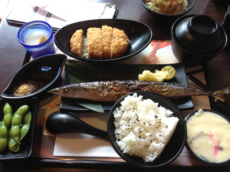 The Pacific saury (Cololabis saira) served in a lunch set at a cafe in Taiwan. (Image Credit: Ben Young Landis/CC-BY)
